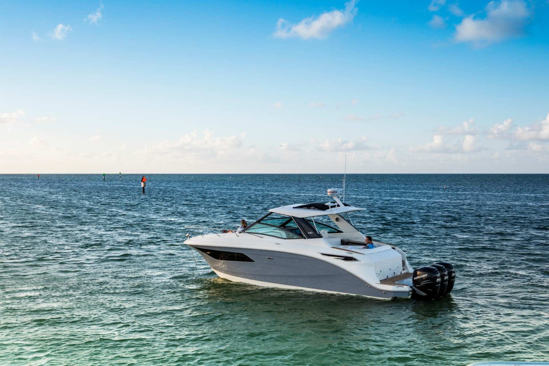 Sundancer 320 Outboard port profile