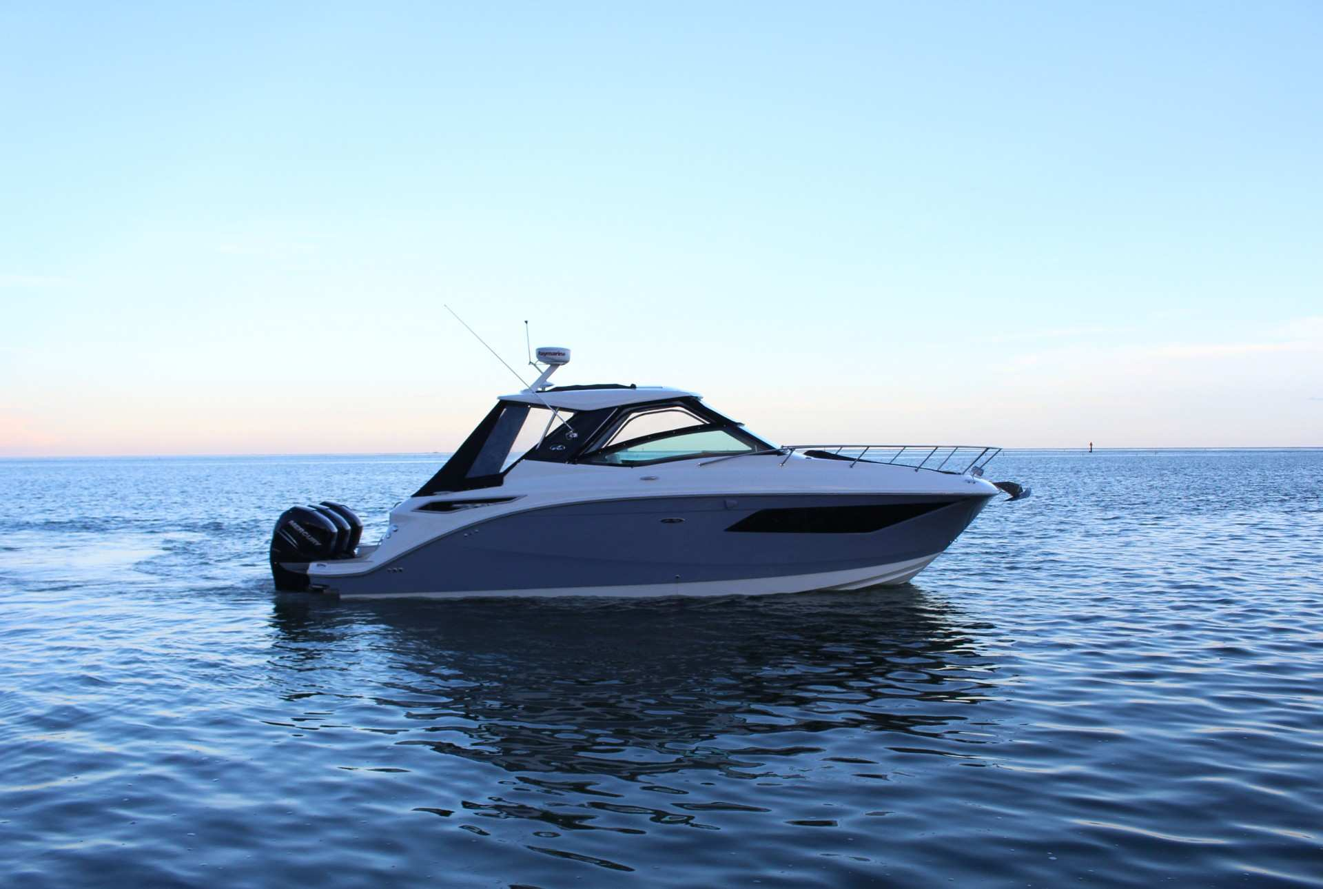 Sundancer 320 Outboard profile